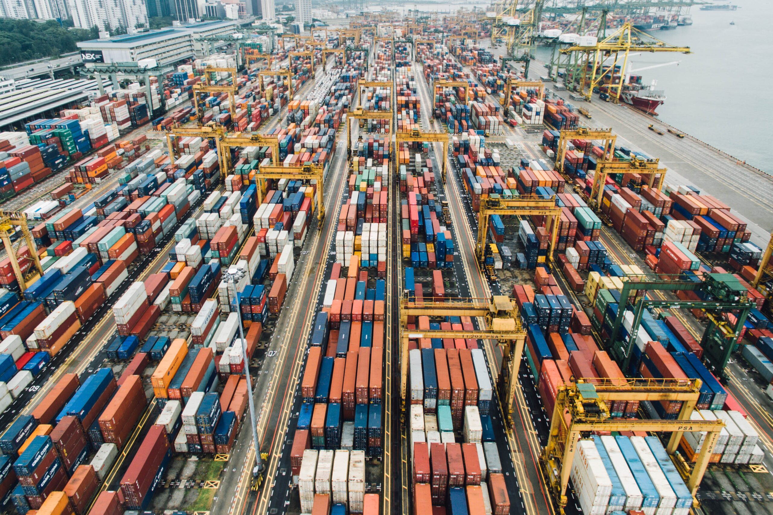 Międzynarodowy transport drogowy kontenerów morskich – podstawy